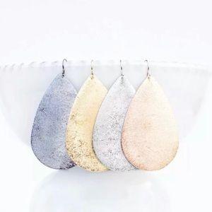 Metal beautiful teardrop earrings